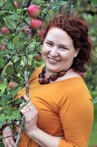 anna omenapuun oksa hymy